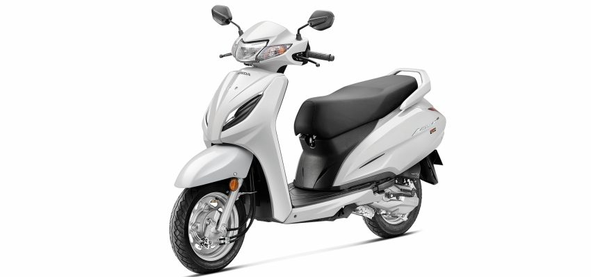 Honda Activa 6G -white at pune showroom